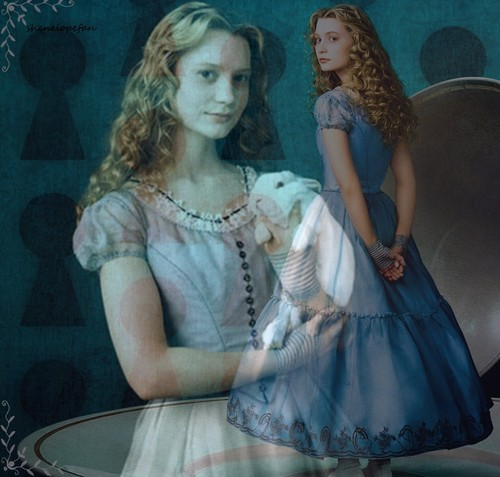Alice in Wonderland (2010) wallpaper containing a polonaise and a kirtle entitled AiW