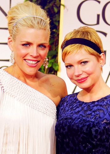 Busy Philipps & Michelle Williams - 69th Annual Golden Globe Awards/red carpet - (15.01.2012)