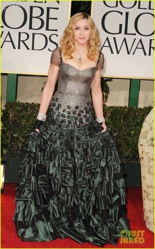 Dianna Agron - Golden Globes 2012 Red Carpet