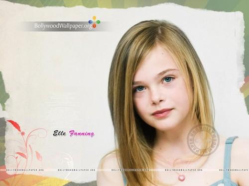 Elle Fanning Обои with a portrait entitled Elle Fanning