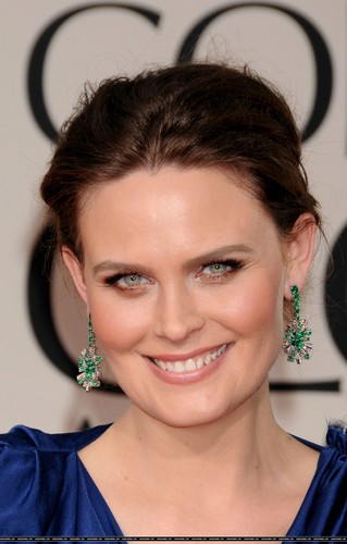 Emily Deschanel 바탕화면 probably containing a portrait entitled Emily @ 69th Annual Golden Globe Awards – January 15 2012