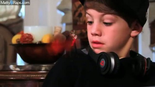 Matty B Raps achtergrond called Flo Rida - Good Feeling (Parody) MattyBRaps
