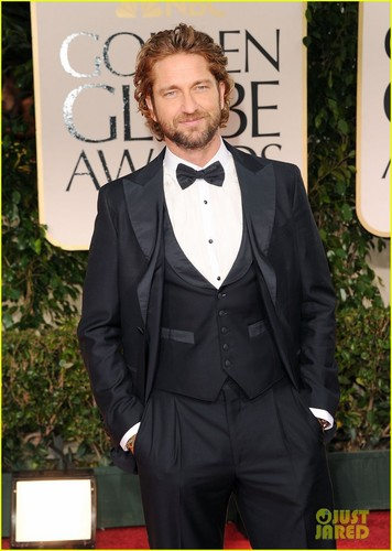 Gerard Butler - Golden Globes 2012 Red Carpet - gerard-butler Photo