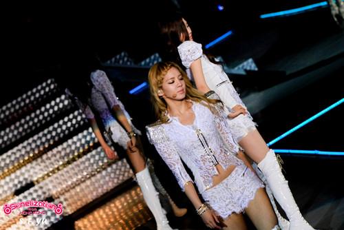 Hyoyeon @ 2012 Girls Generation Tour in Hongkong