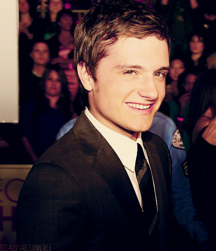 JOSH HUTCH - josh-hutcherson Fan Art