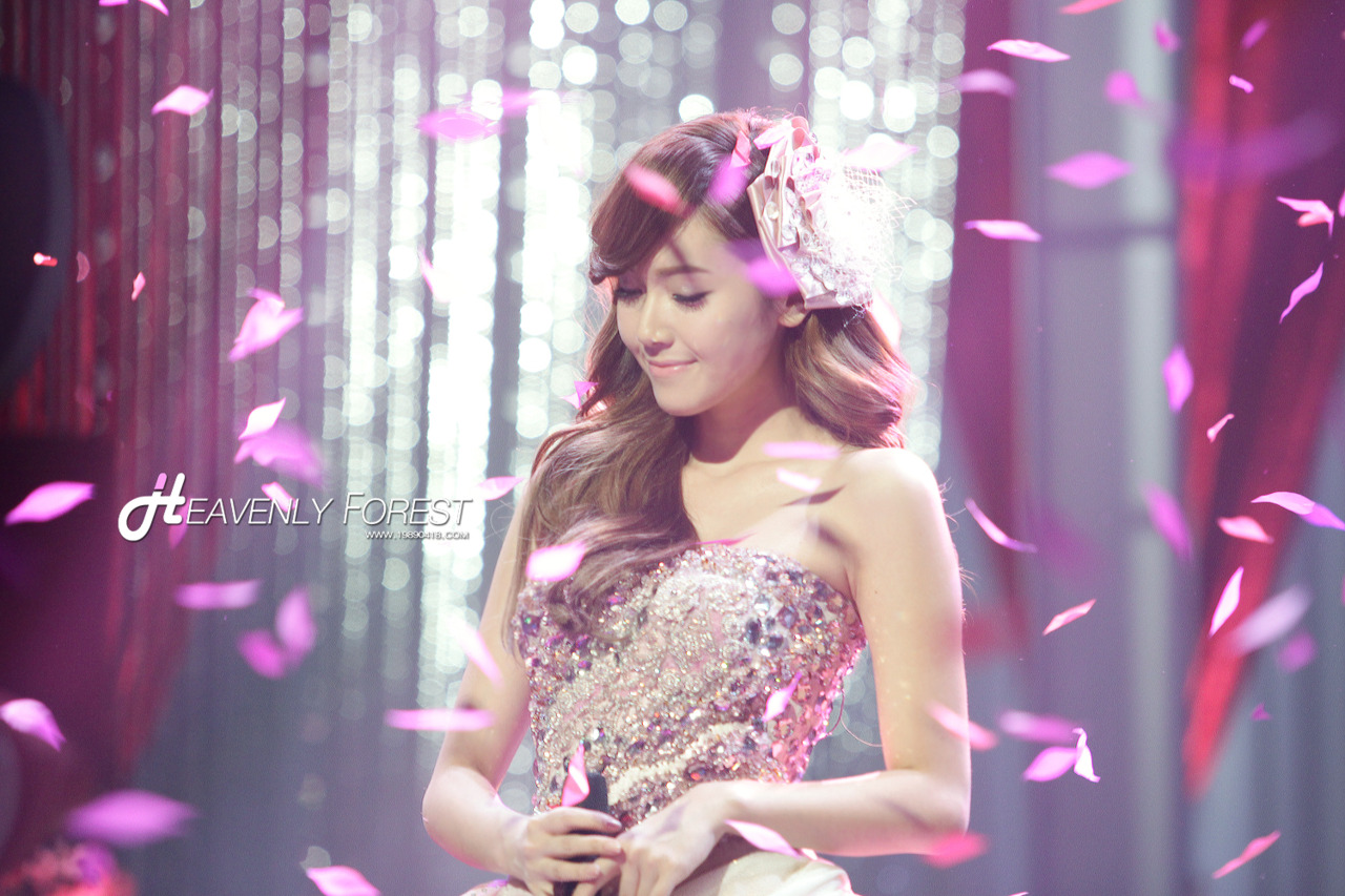 Jung Sisters images Jessica @ MBC Fairy Tale Christmas HD wallpaper ...