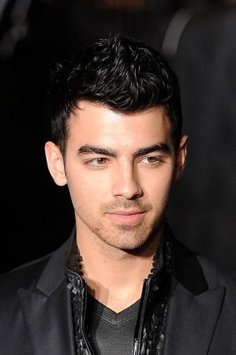 Joe Jonas - Calvin Klein Collection men's دکھائیں in Milan