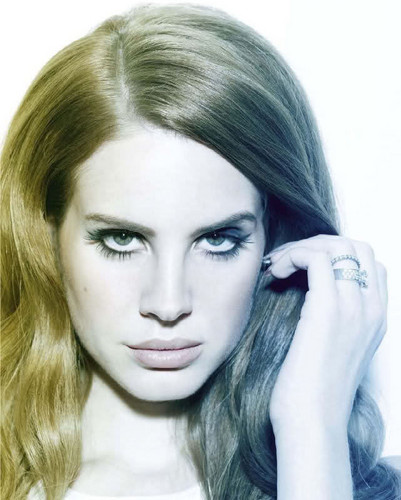 "Lana Del Rey covers ""Les Inrockuptibles"""