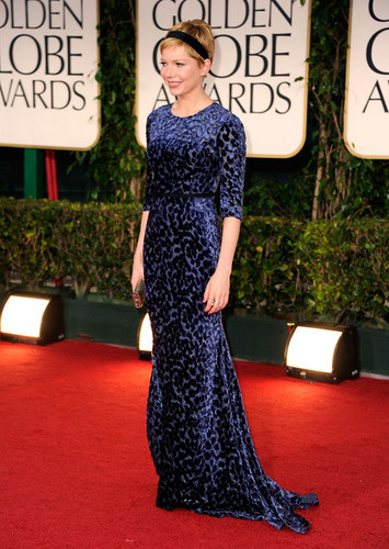 Michelle Williams - 69th Annual Golden Globe Awards/red carpet - (15.01.2012)