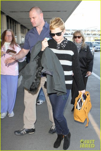 Michelle Williams Shows Her Stripes at LAX