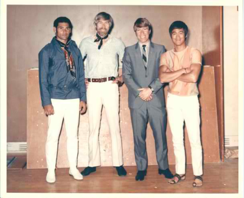 Bruce Lee wallpaper with a well dressed person and a business suit entitled Mike Stone,James Coburn,Chuck Norris+Bruce Lee
