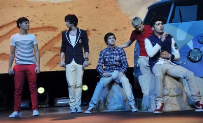 ONE DIRECTION UK TOUR > JAN 13TH - IN GLASGOW