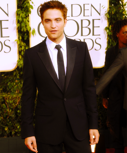 Robert Pattinson fond d'écran containing a business suit, a suit, and a single breasted suit titled Rob