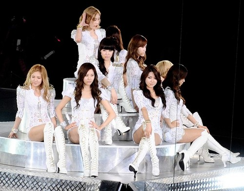 S♥NEISM wallpaper probably containing a bridesmaid and a portrait called SNSD @ Girls Generation 2nd Tour in Hong Kong Concert