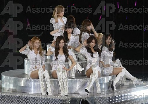 S♥NEISM kertas dinding entitled SNSD @ Girls Generation 2nd Tour in Hong Kong konsert