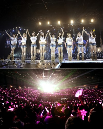 S♥NEISM wallpaper with a concert and a fountain entitled SNSD @ Girls Generation 2nd Tour in Hong Kong Concert