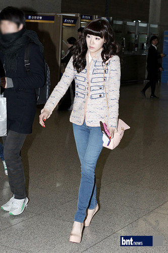SNSD @ Incheon Airport Pictures - to Hong Kong