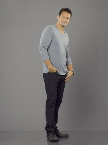 Season 3 - Cast Promotional foto - Josh Hopkins