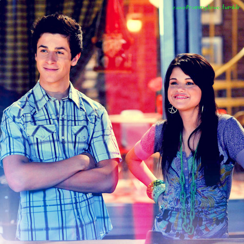 Selena Gomez- Wizards of Waverly Place - 2.04 Racing
