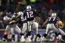 New England Patriots fond d'écran probably containing a lineman, a punter, and a football entitled Tom Brady Punt