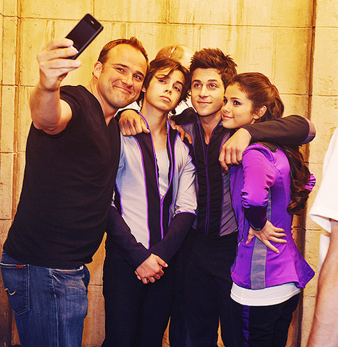 WIZARDS OF WAVERLY PLACE- FINAL!