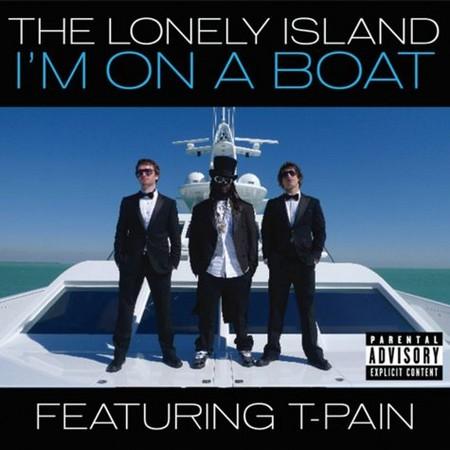 i am on a کشتی