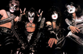 ☆ KISS ☆ - musicians-in-makeup photo