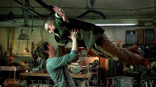 'Upside Down' production gambar