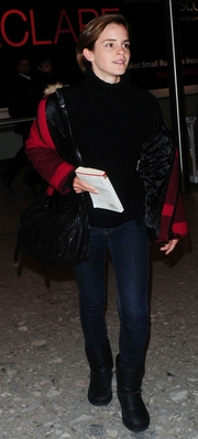 Arriving at Heathrow Airport in Londres (15.01.2012)