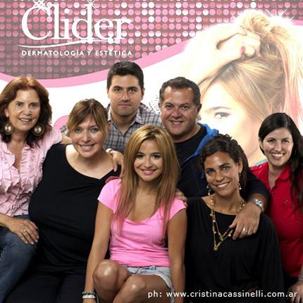 Brenda Asnicar and cast de Clider