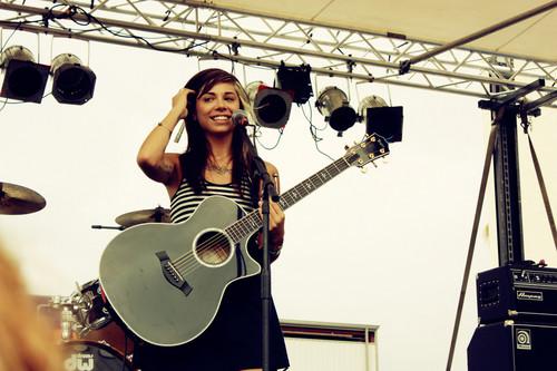 Christina Perri live random
