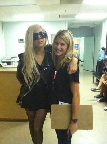 Gaga at Lenox 丘, ヒル Hospital, visiting Beyoncé and Blue Ivy Carter