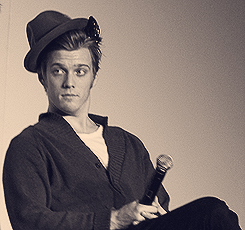 Jake Abel fondo de pantalla probably with a concierto and a business suit titled Jake