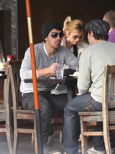 Nick And Joe Jonas Dine At Kings Road Cafe