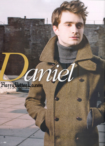 Daniel Radcliff fond d'écran possibly containing an outerwear, a box coat, and a rue entitled OK Magazine(Mexico)
