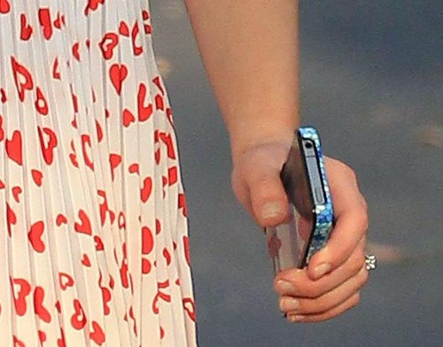 Rachel says yes? <3
