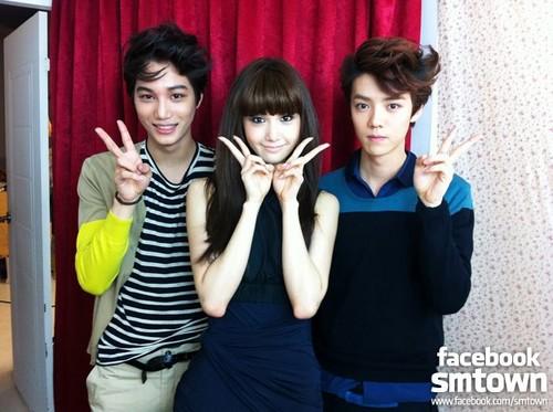W Live Yoona & EXO's KAI & Lu Han