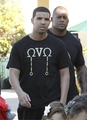 drake spotted in l.a - aubrey-drake-graham photo