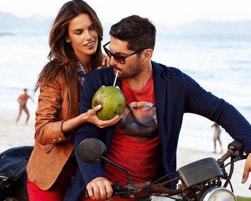 Alessandra Ambrosio's Hot, New Hugo Boss naranja Ads