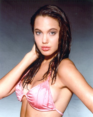 Angelina Jolie wallpaper probably containing a bikini and skin called Angelina Jolie