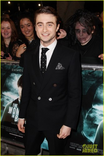 Daniel Radcliffe: 'Woman in Black' Premiere!