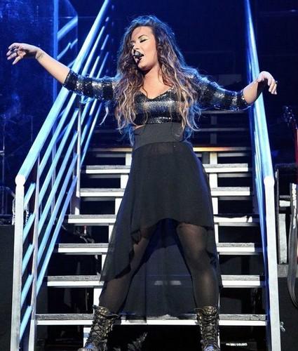 Demi Lovato in New York 17-09-11