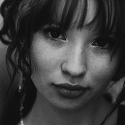 Emily Browning <3