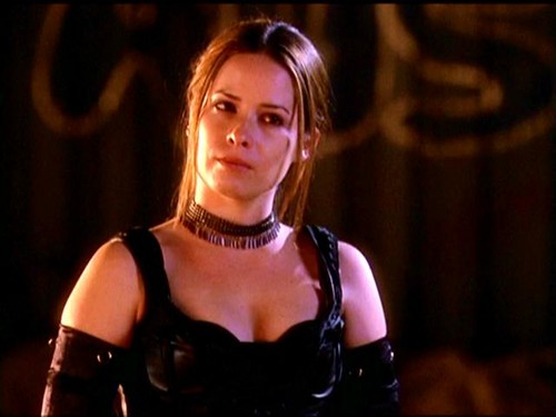 Holly season 5 - charmed Screencap