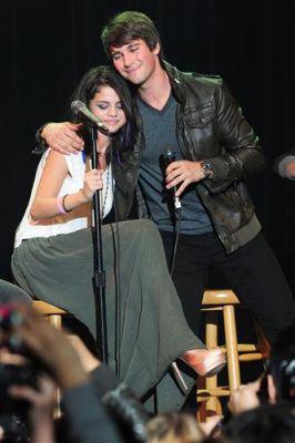 January 20, 2012 - Selena Gomez's 2nd Annual UNICEF Charity tamasha