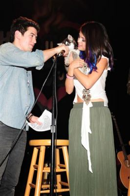 January 20, 2012 - Selena Gomez's 2nd Annual UNICEF Charity concert