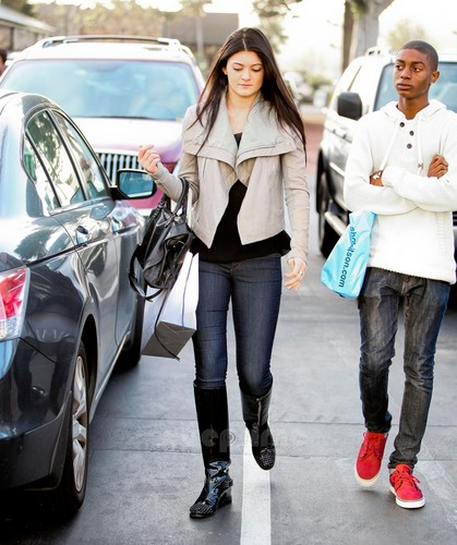 Kylie Jenner images Kendall & Kylie Jenner did some shopping in Malibu, January HD wallpaper and background photos