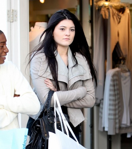Kendall & Kylie Jenner did some shopping in Malibu, January