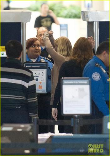 Kirsten Dunst: Airport Security Check