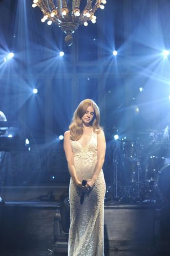 "Lana Singing at ""Saturday Night Live"" (Jan 14)"
